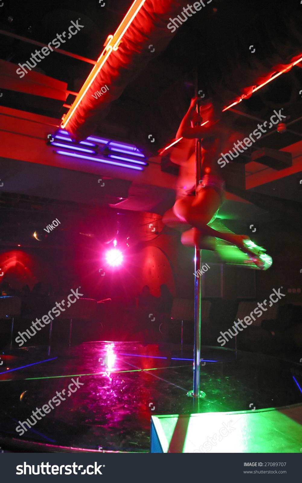 Клубы стриптиз полный playboy ночной клуб