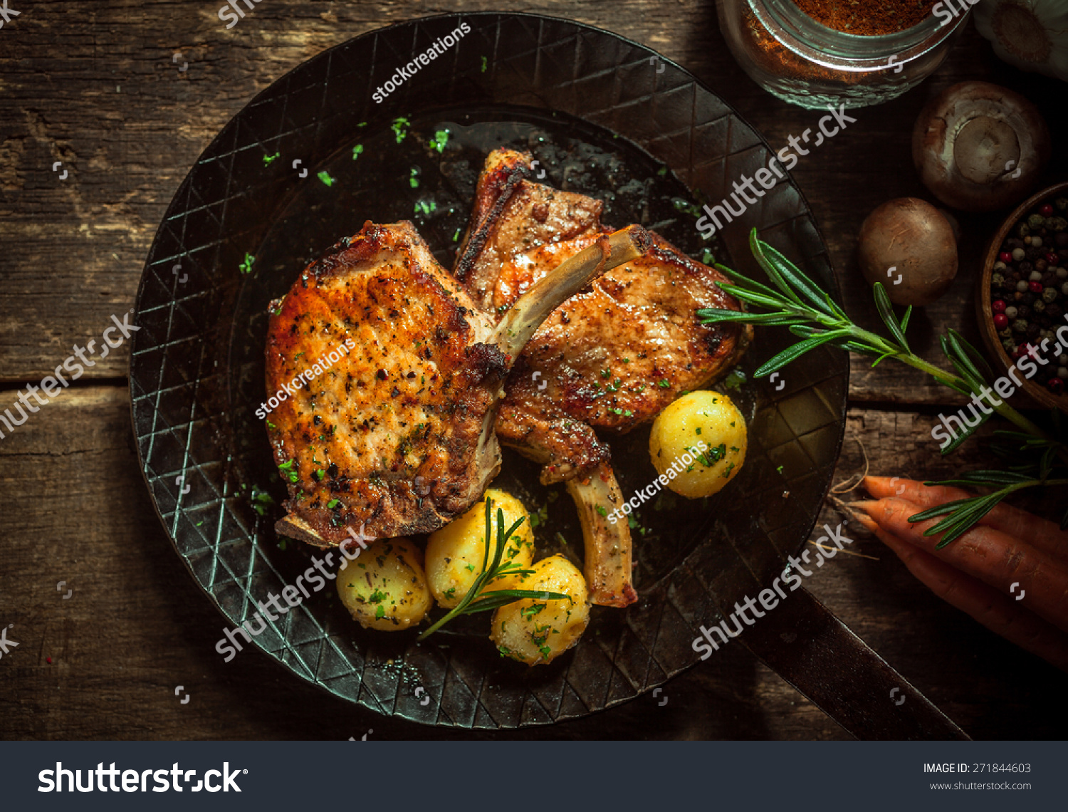 how to cook pork cutlets in a pan