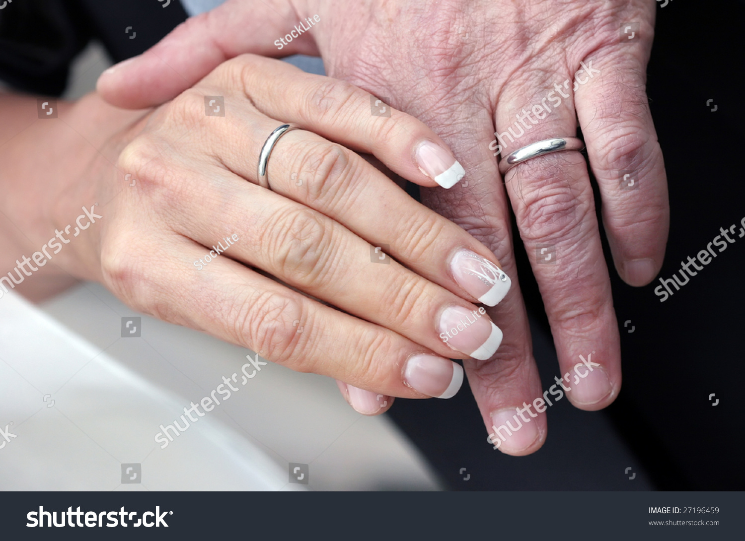 Hands Aged Couple Who Still Wear Stock Photo (Royalty Free) 27196459 ...