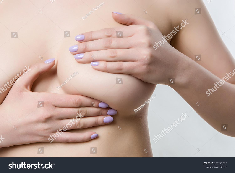 tiny gilrs nude at beach