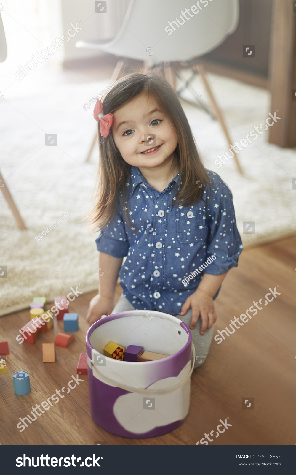 She Always Had Really Nice Makeup: She Always Cleans Up After The Playing Stock Photo
