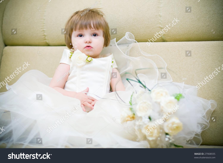 Little Girl Wedding Dress Stock Photo 27908935 - Shutterstock
