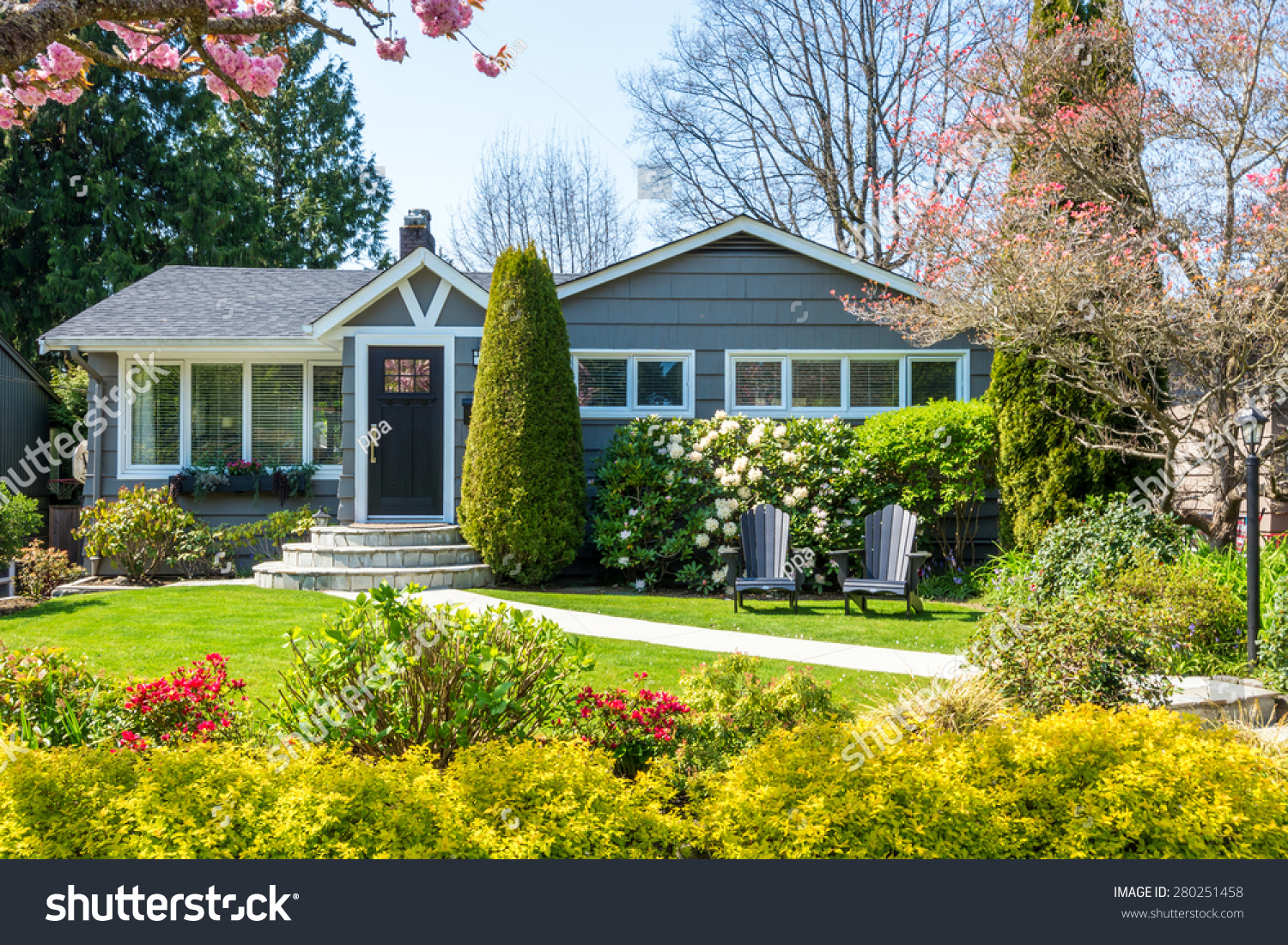 Cozy House Cozy House Beautiful Landscaping On Sunny Stock Photo 280251458