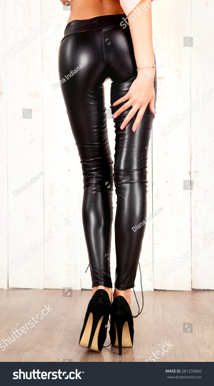 Lady sexy leather pant gallery