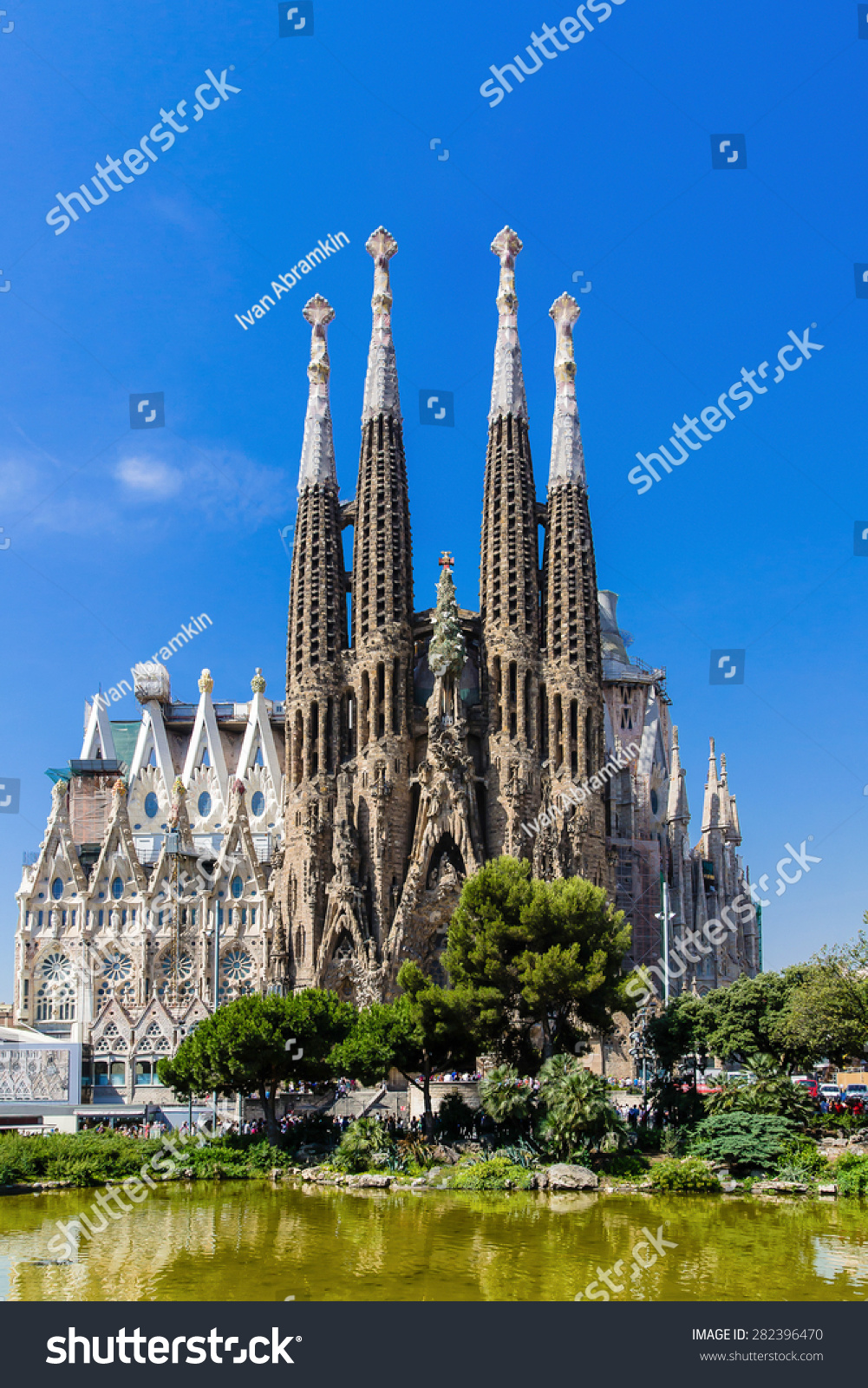 analysis of the sagrada familia barcelona Find out the top 10 facts about the stunning sagrada familia cathedral in barcelona.