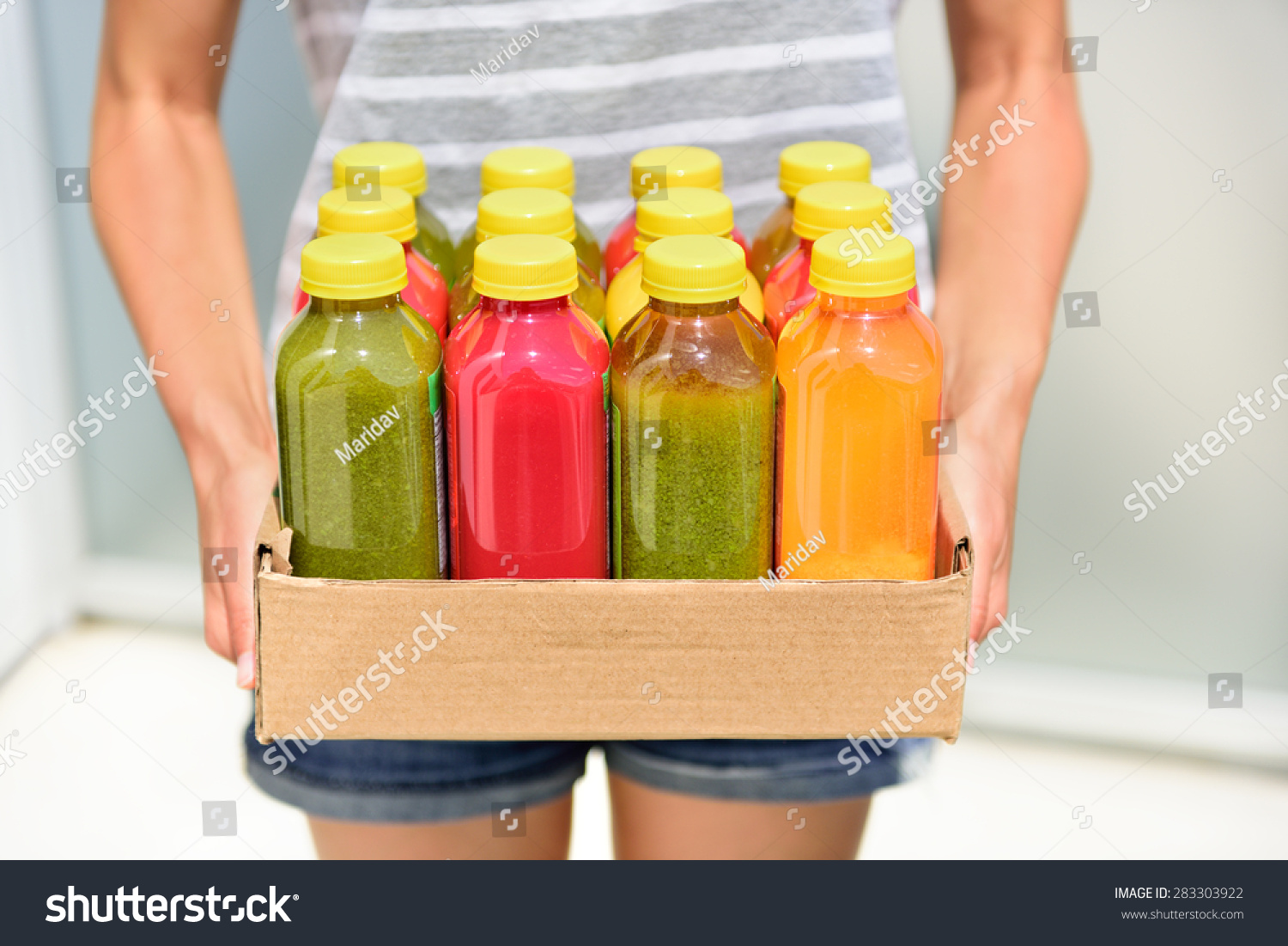 Juicing Cold Pressed Vegetable Juices Detox Stock Photo 283303922 - Shutterstock