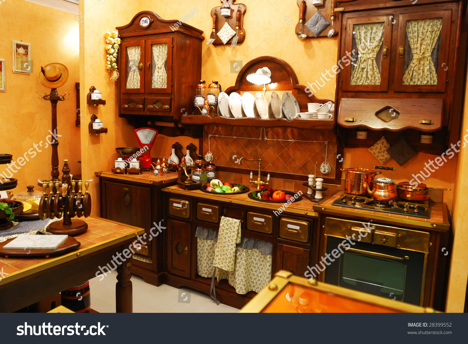 Old Fashioned Kitchen Classic Old Fashioned Kitchen Interior Stock Photo 28399552