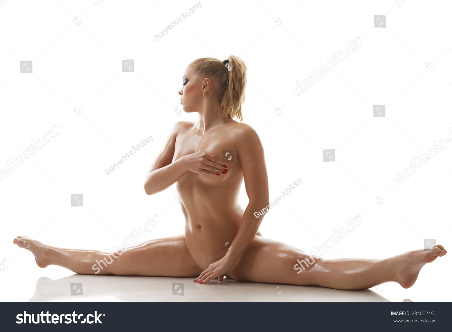 naked girls doing splits images