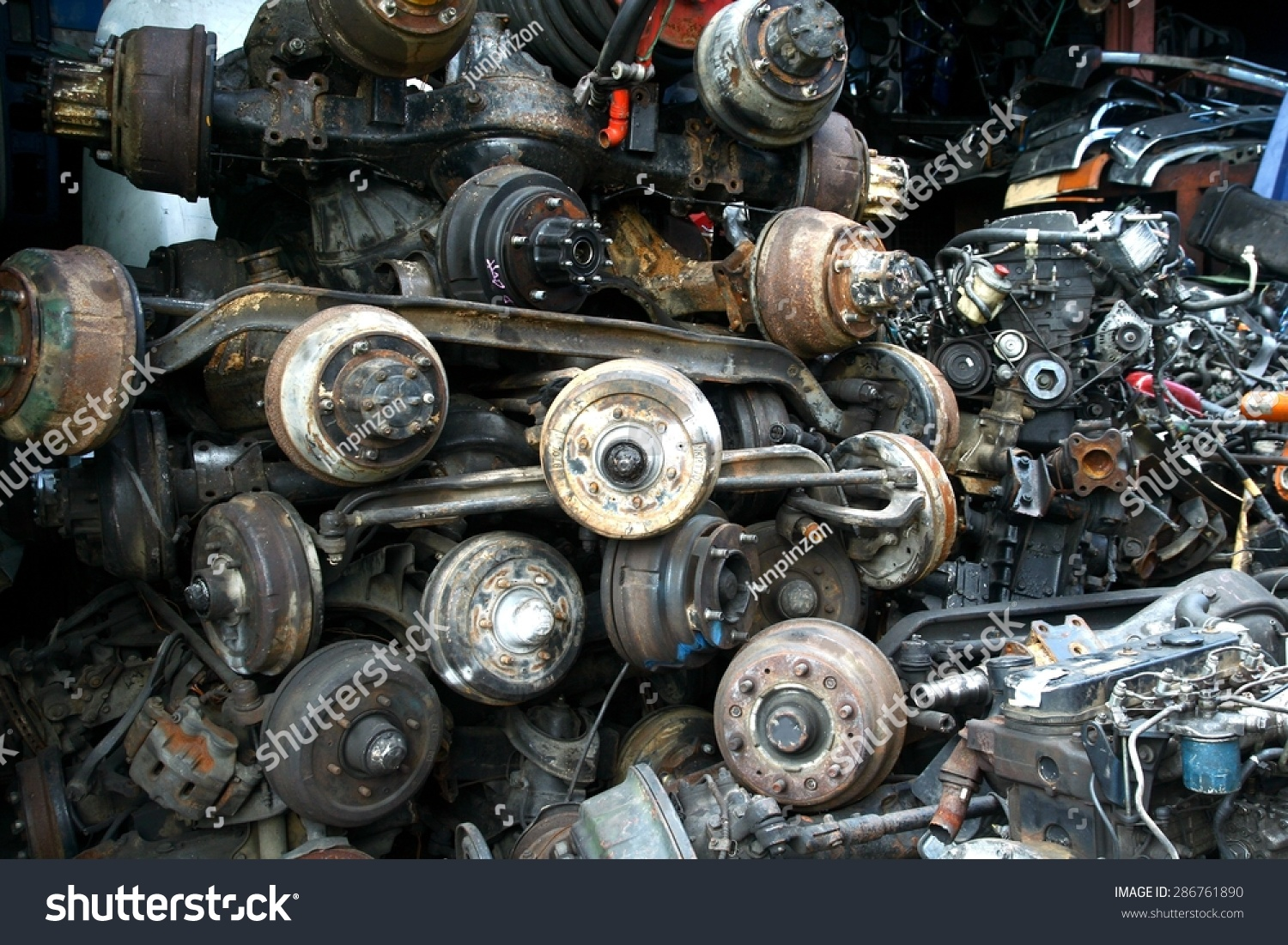 Used Car Engines >> Used Surplus Car Engines Other Car Stock Photo Edit Now