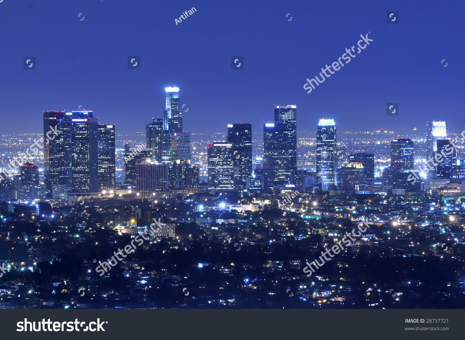 Panoramic view of los angeles city skyline at night stock photo 28737721 sh - Panoramic les angles ...