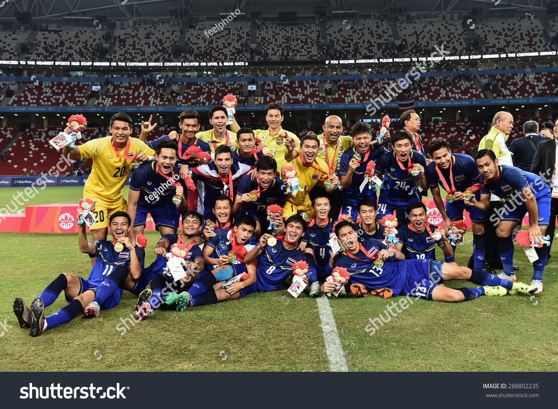 Kallang Singapore - JUNE15 Thai National team celebrates winning the gold  medal. 28th SEA 103129a20