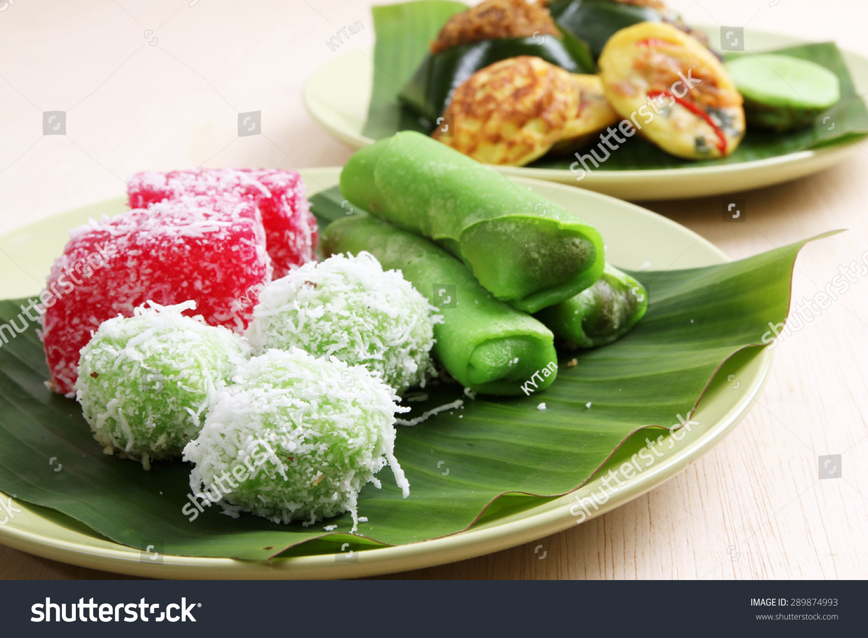 kuih malaysian assorted pastry shutterstock