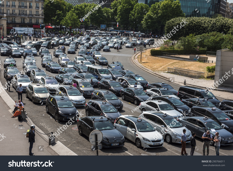 Paris France June Taxi Stock Photo Shutterstock - Taxi porte maillot