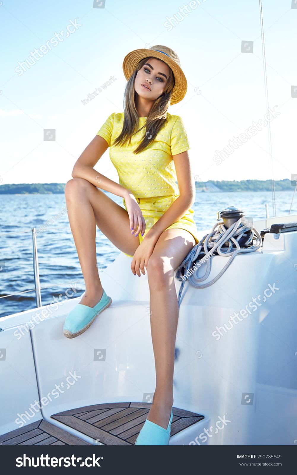 Beautiful Sea strip of brunette