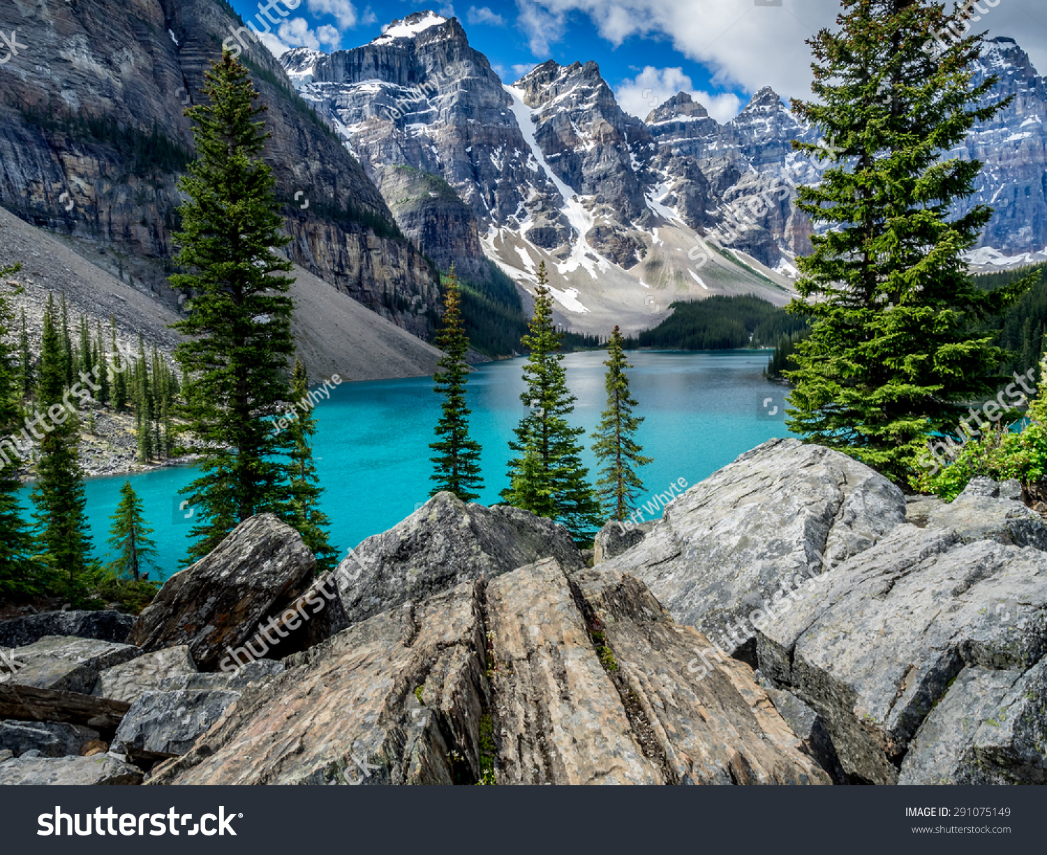 Moraine Lake in the Valley of the Ten Peaks, Banff