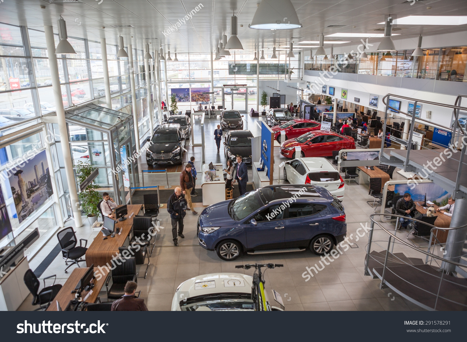 st petersburg russia circa apr 2015 top view of car dealership showroom with customers and. Black Bedroom Furniture Sets. Home Design Ideas