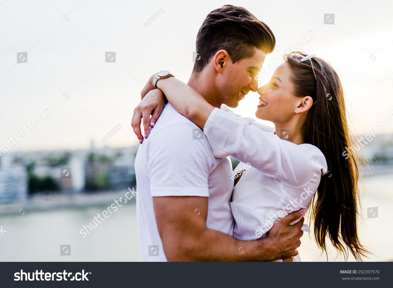 Christian dating og kyssing online dating Warrington