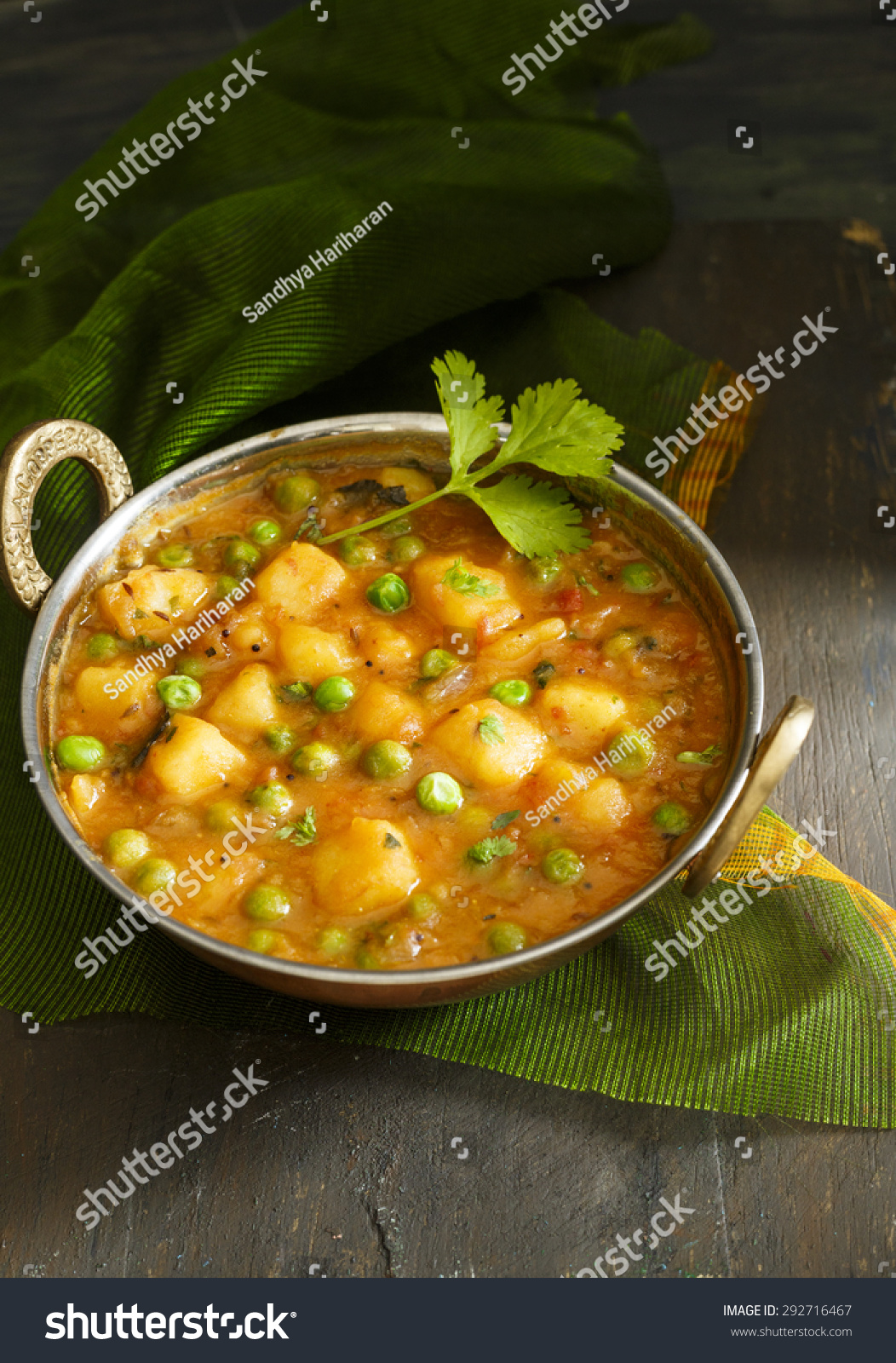 Aloo Mutter , Indian curry Potato and Peas immersed in an Onion Tomato ...