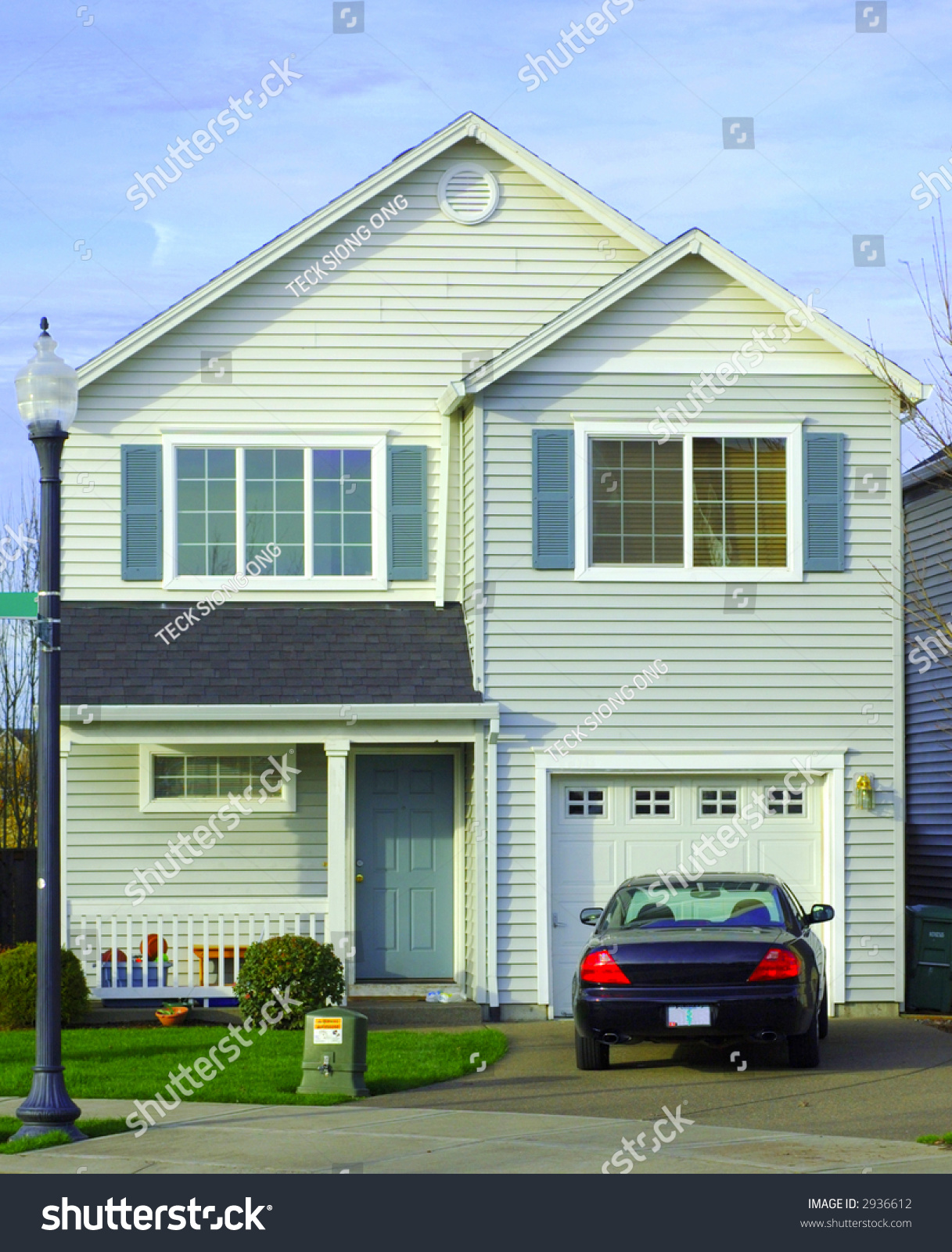 Front view house car parking front stock photo 2936612 for Garage in front of house