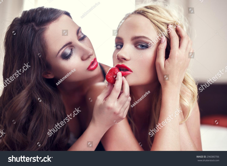 Free Sexy Lesbian