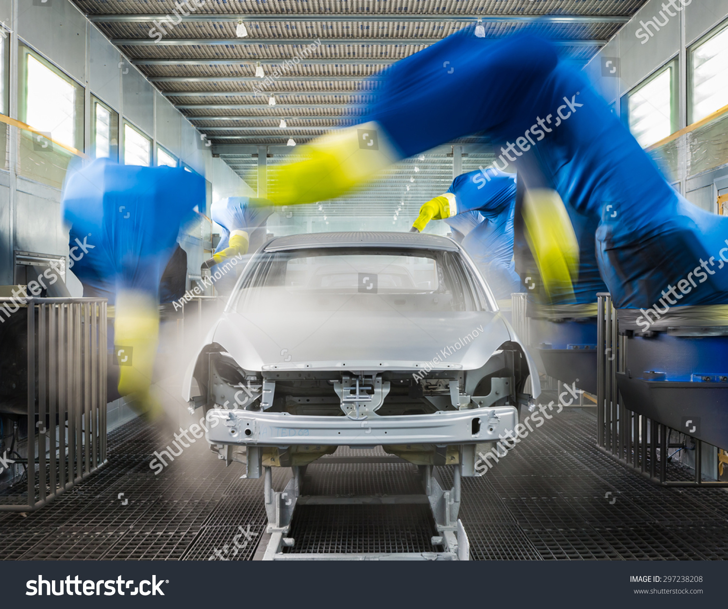 Togliatti russia november 14 paint shop stock photo for Car paint shop