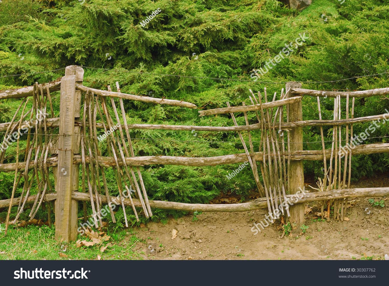 broken fence warning announcement - photo #42