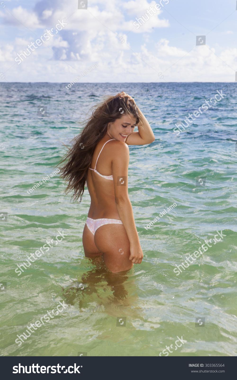 Beautiful Lesbian Teen In Bikini 43