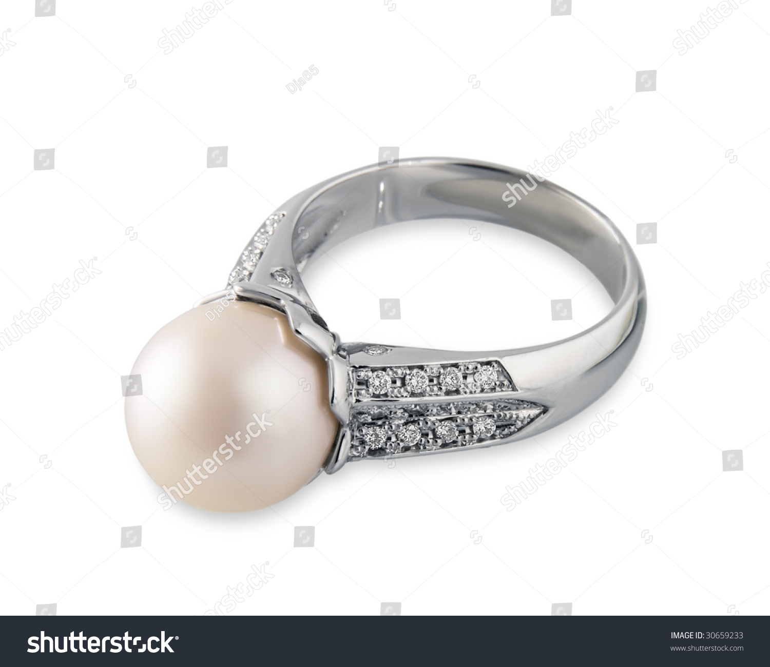 expensive platinum ring with pink pearl and brilliant