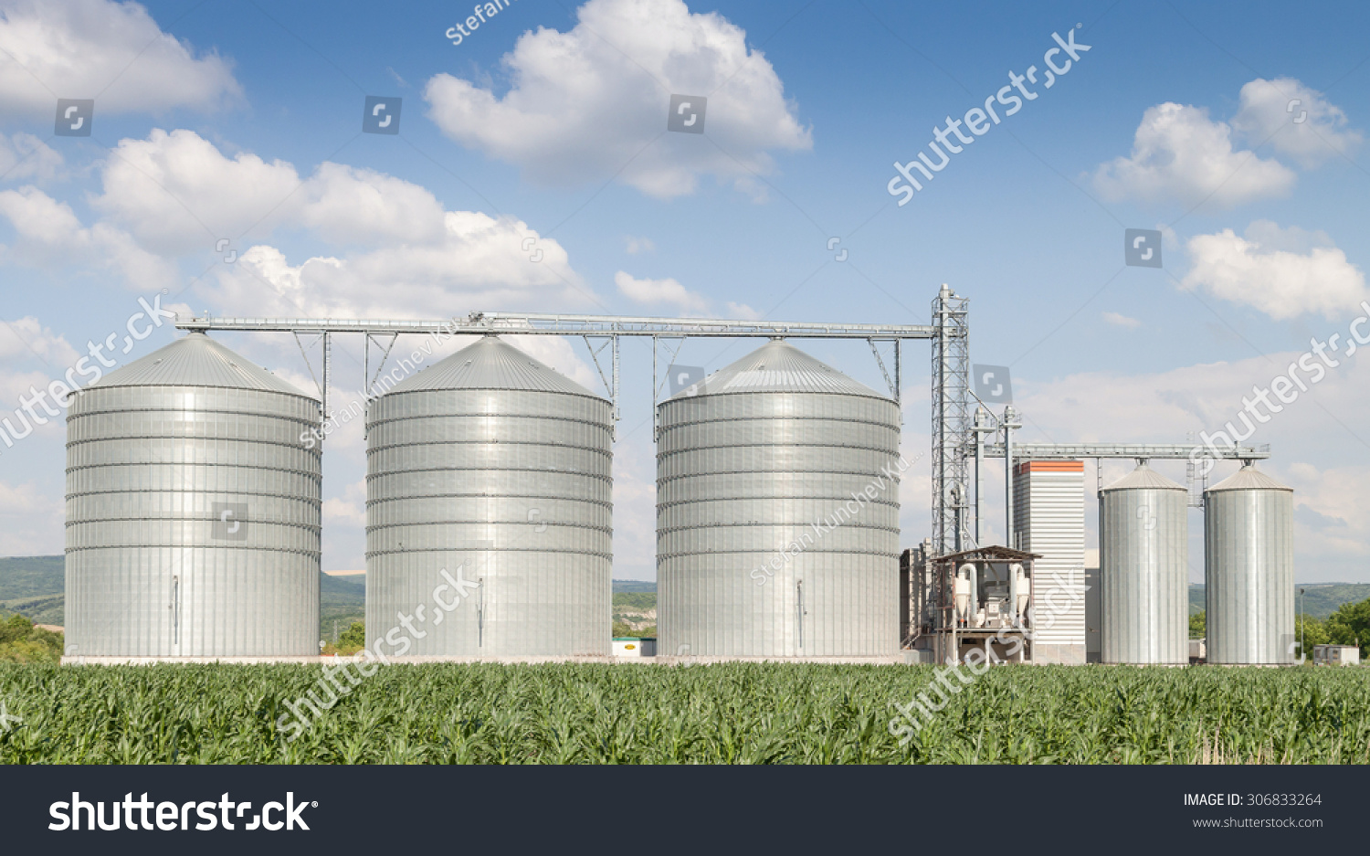 agricultural silo building exterior storage and drying