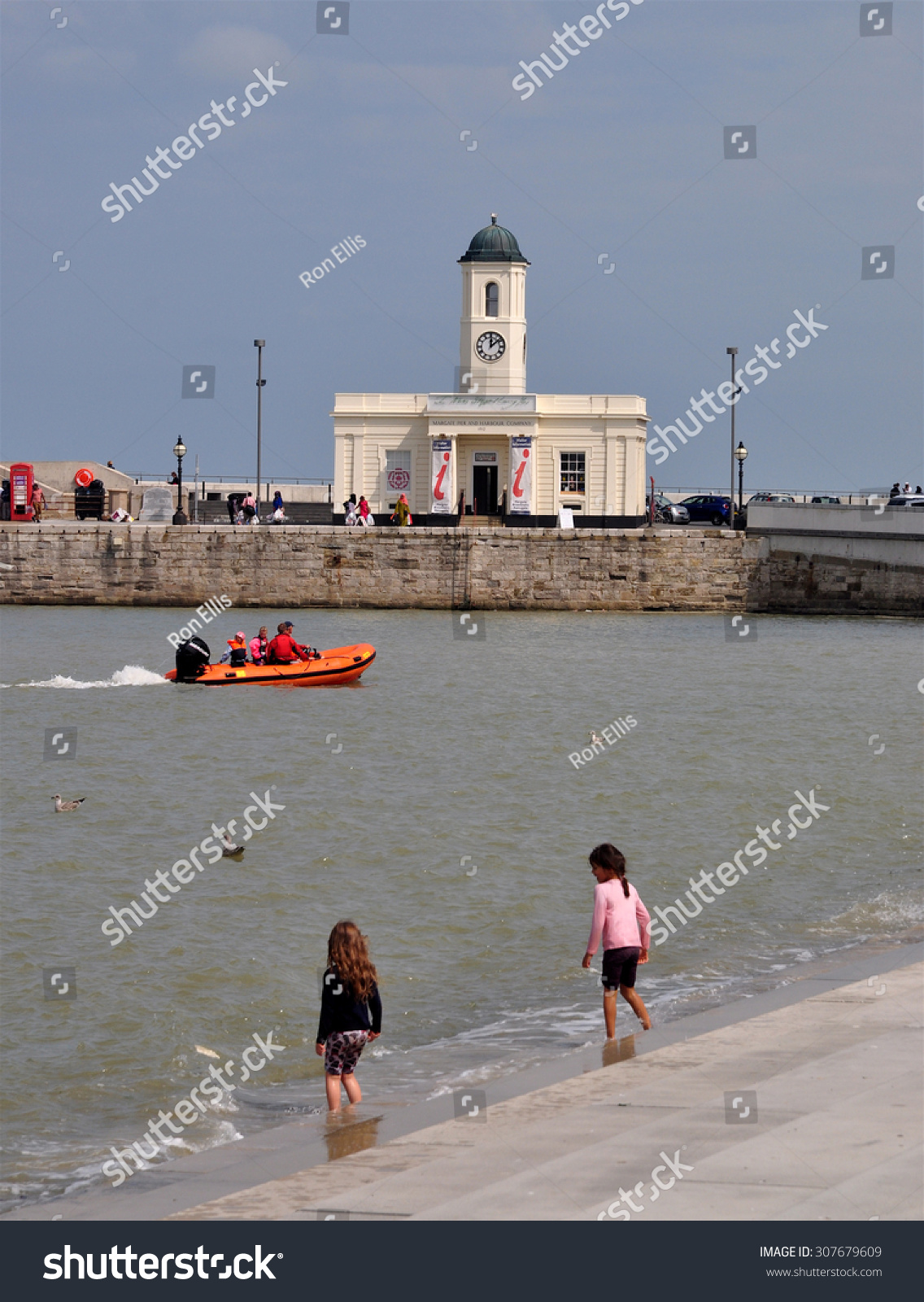 Margate Kent Uk August 15 2015 Stock Photo (Edit Now) 307679609