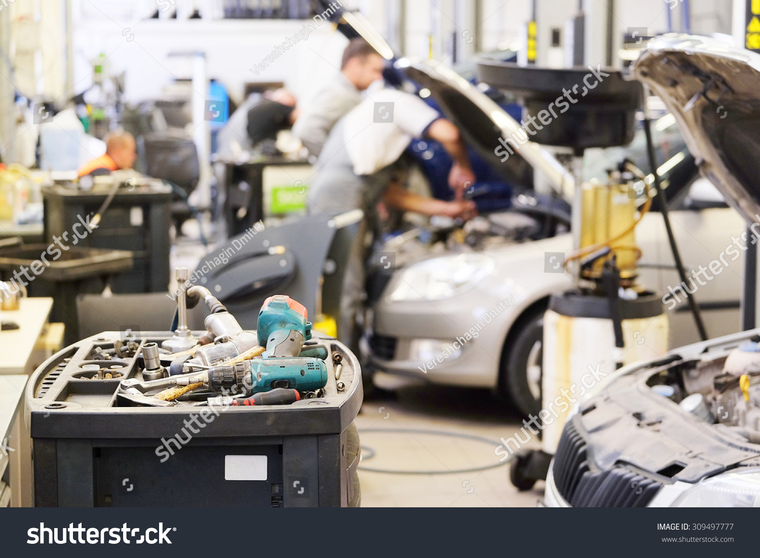 interior car repair shop stock photo 309497777 shutterstock. Black Bedroom Furniture Sets. Home Design Ideas