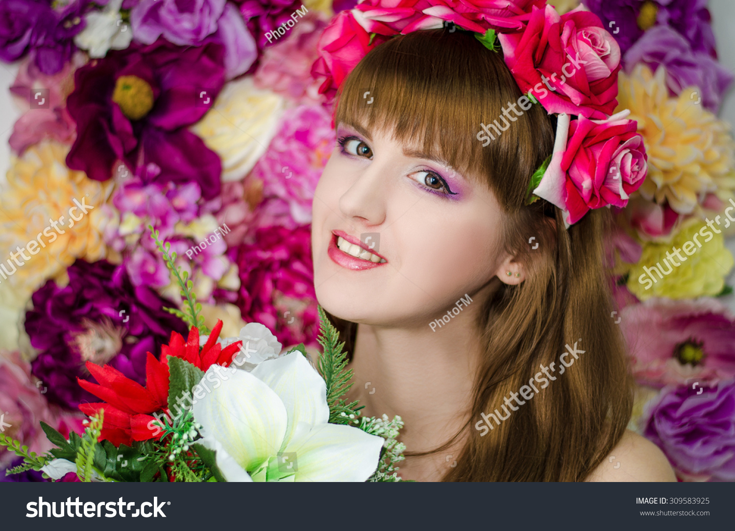 Beautiful girl with flowers beauty with a beautiful professional id 309583925 izmirmasajfo