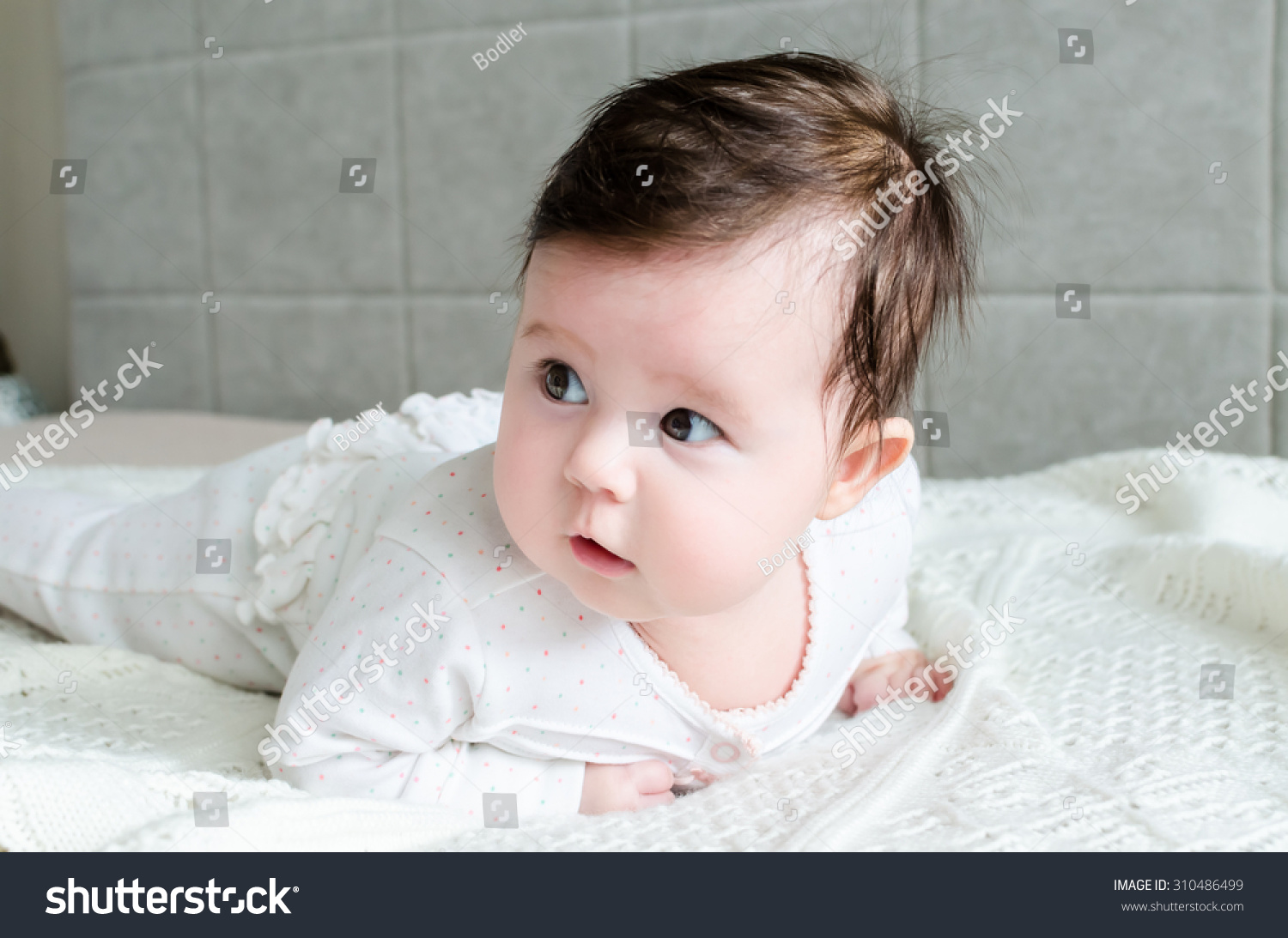 Newborn Baby Girl With Black Hair And Blue Eyes Royalty-free Cute cauc...