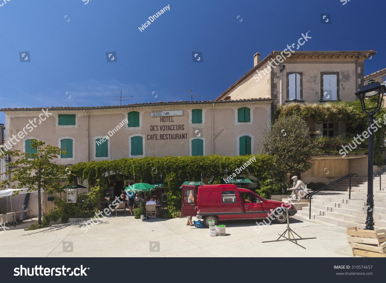 Cafe Saint Saturnin Les Apt
