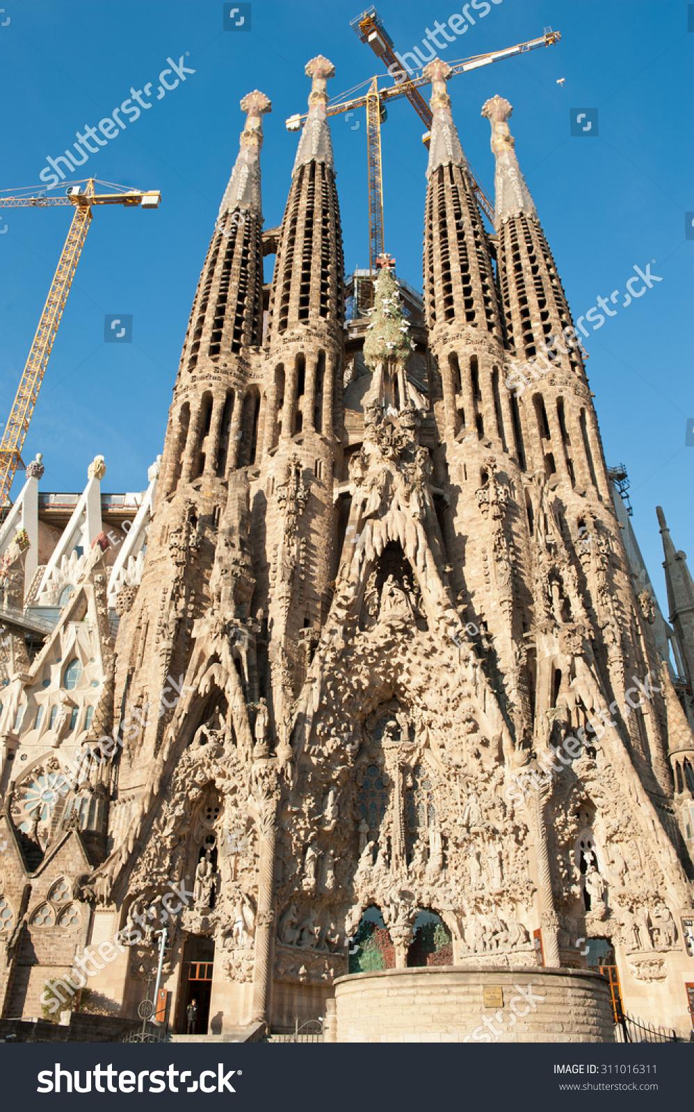 Barcelona Spain April 28 2015 Sagrada Stock Photo Edit Now 311016311