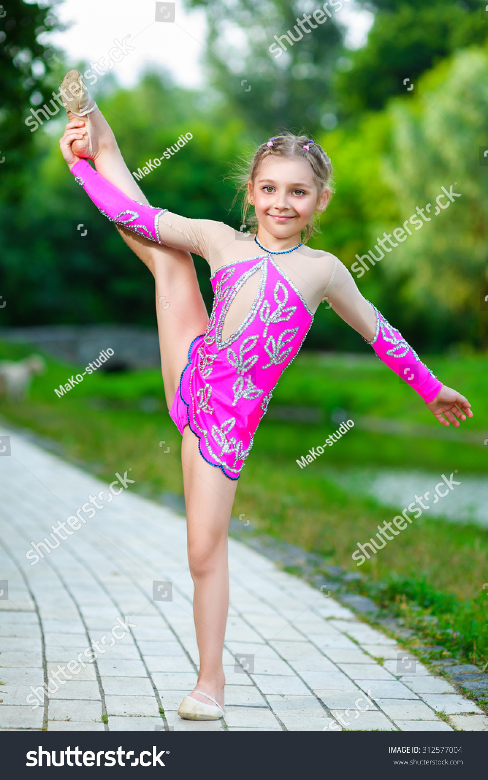 cute naked girls doing gymnastics