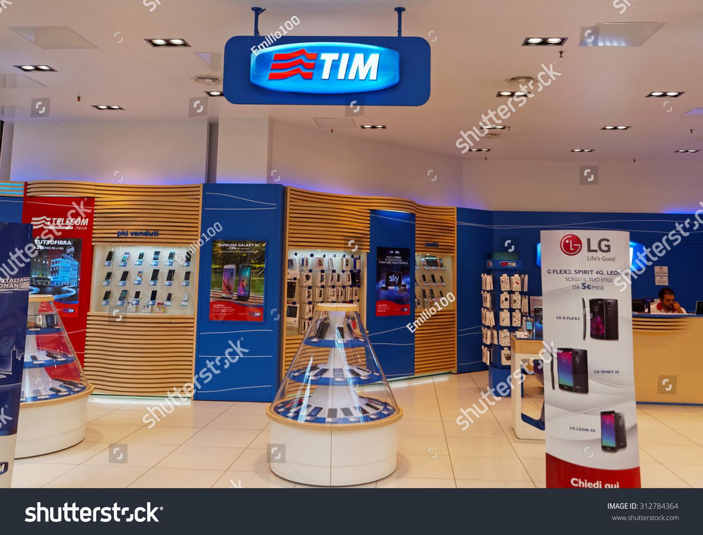 Rome italy september 3 2015 tim shop in rome italy for Italia mobile