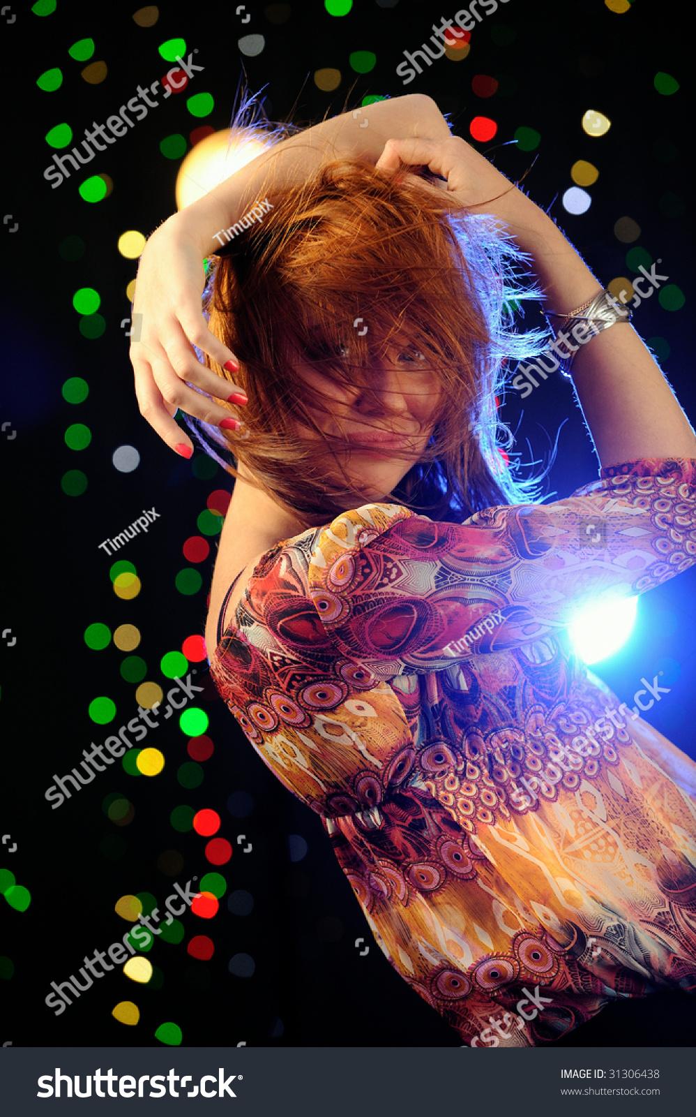 Beautifull Redhead Dancing 52