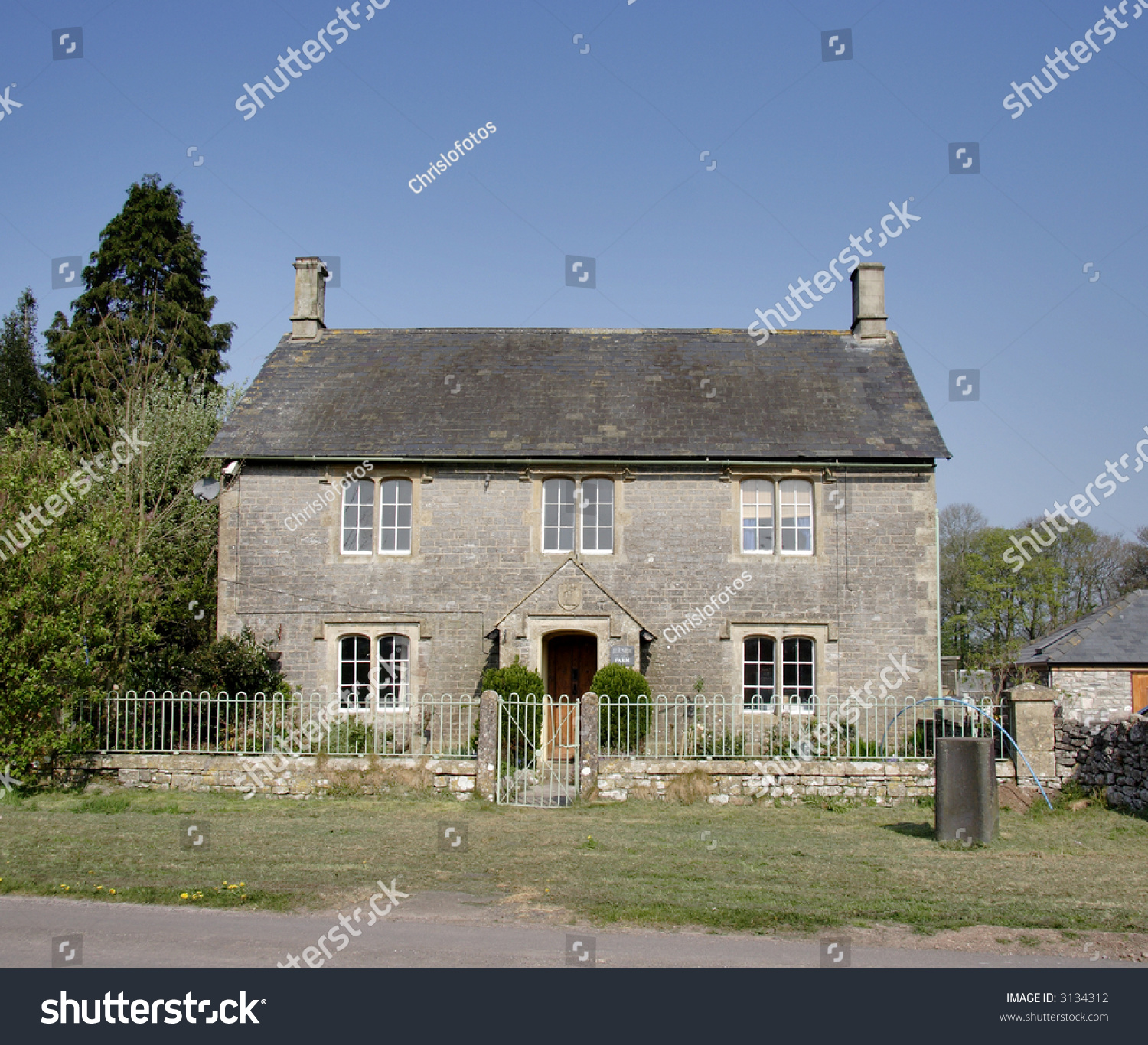 Natural Stone English Farmhouse in Rural Southern England #3134312