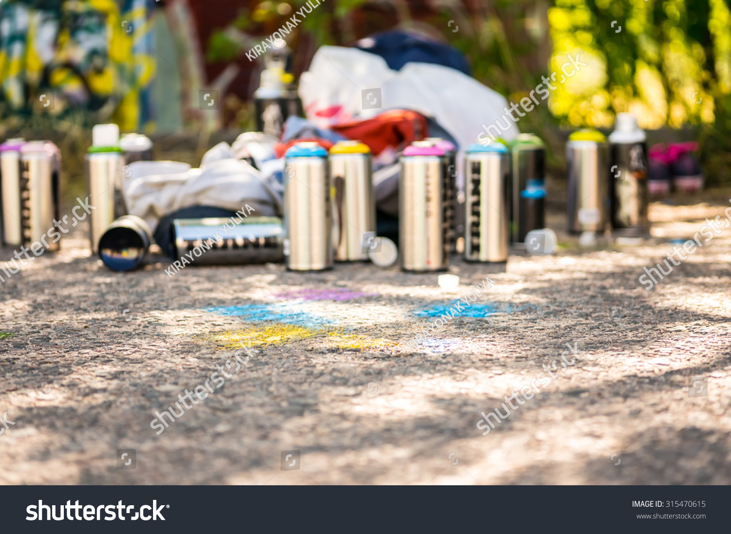 paint graffiti spray