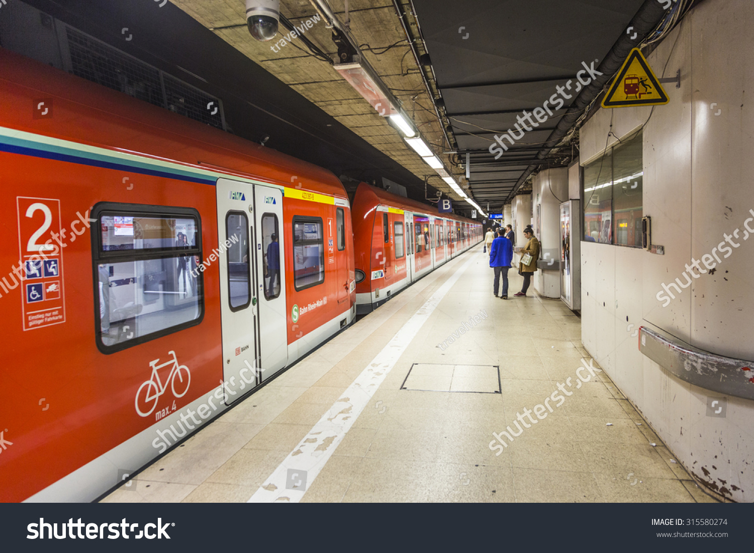 frankfurt germany sep 11 2015 subway train ready to leave the station in frankfurt with. Black Bedroom Furniture Sets. Home Design Ideas