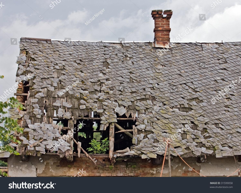 Broken Roof Ruined House Stock Photo 31599058 Shutterstock