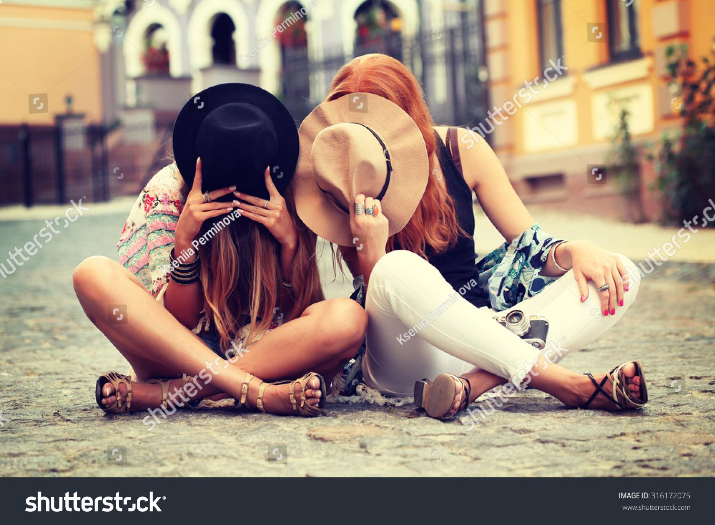 Фотографии трёх девушек друзей вместе 13 фотография