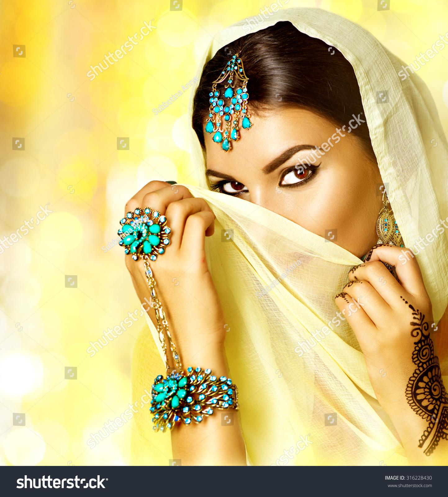 Arabian Woman Portrait. Arab Girl With Oriental Jewellery ...