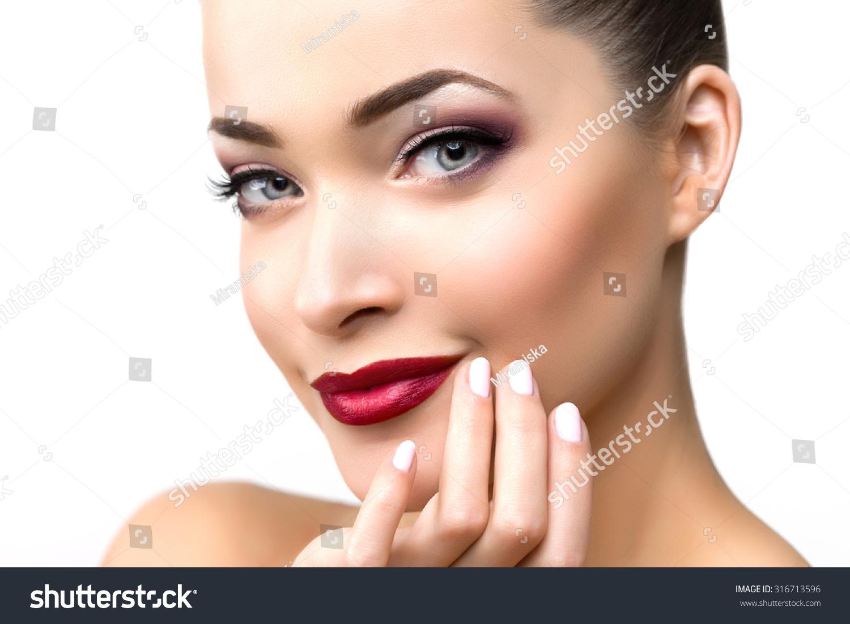 Beautiful Model Woman Beauty Salon Makeup Stockfoto (Jetzt ...