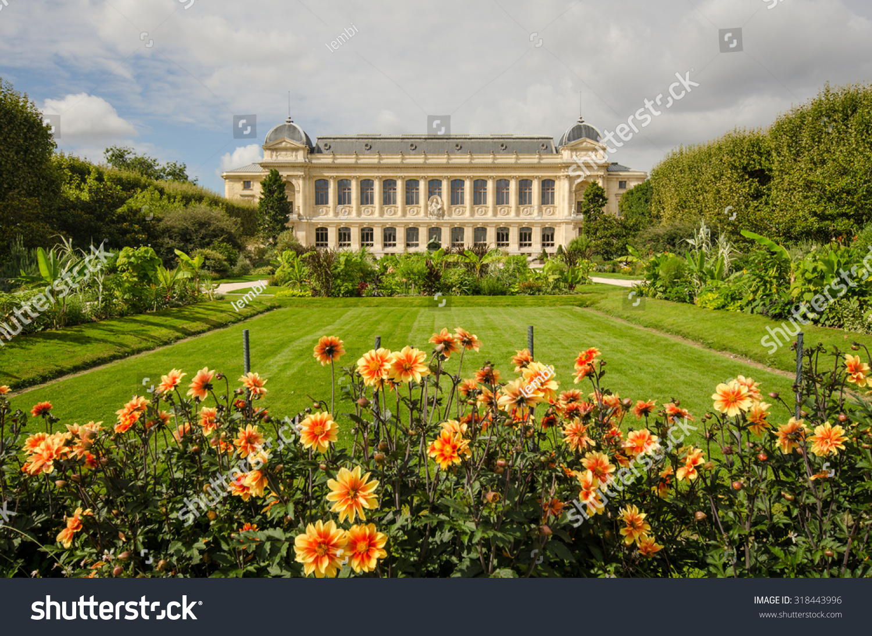 Paris france september 4 2015 flowers stock photo - Botanic meubles de jardin ...