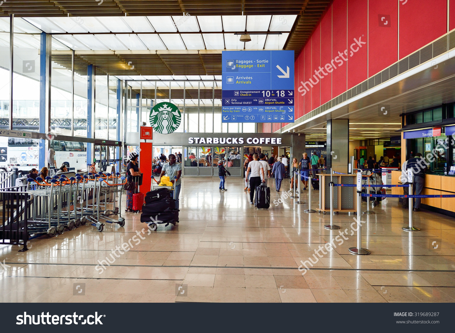 Aeroporto Orly : Paris august 08 2015 orly airport stock photo edit now 319689287