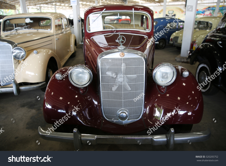 Nakhonphathomthailandmay 2 Old Vintage Cars Show Stock Photo ...