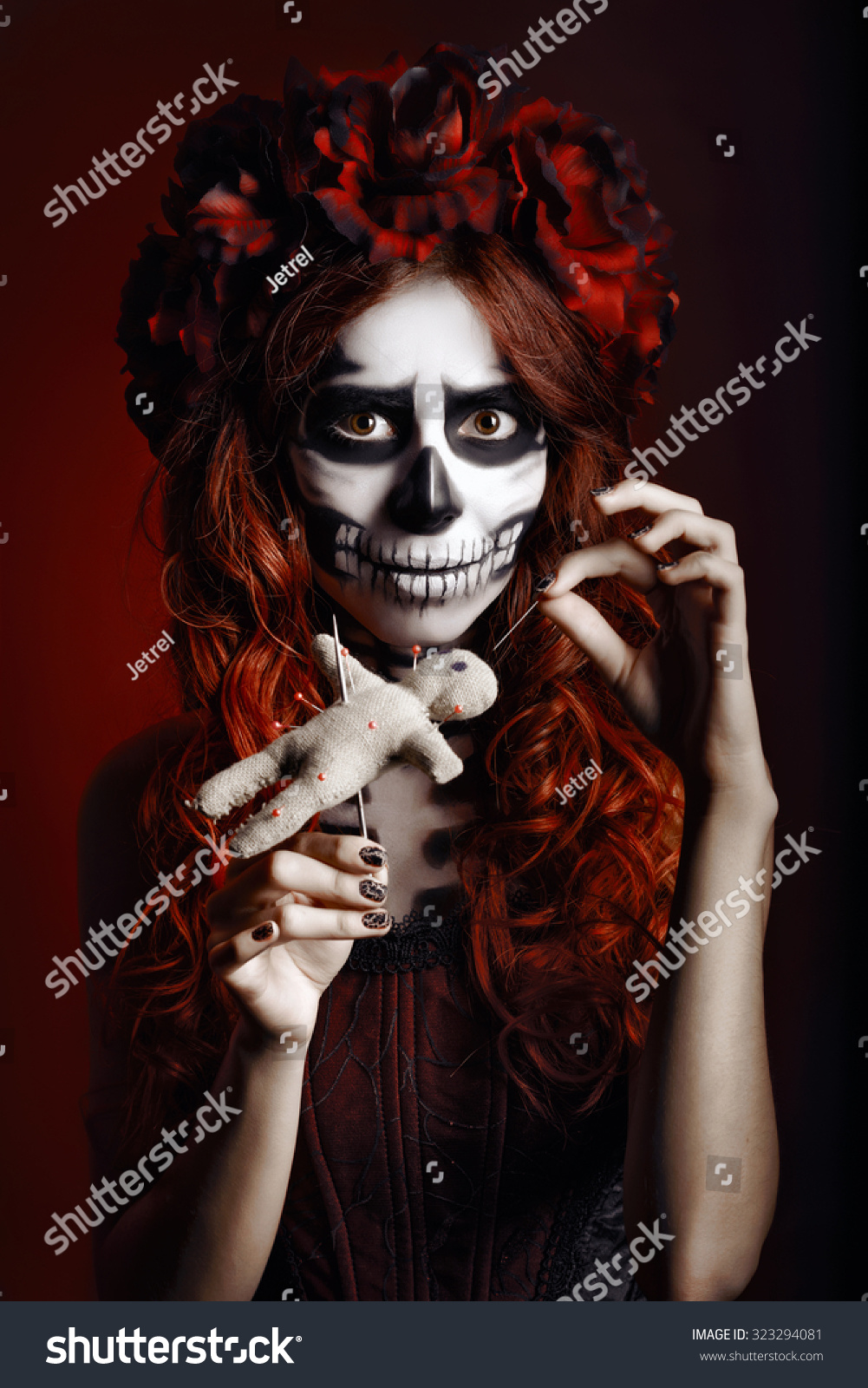girl in a make-up posing in studio halloween | ez canvas