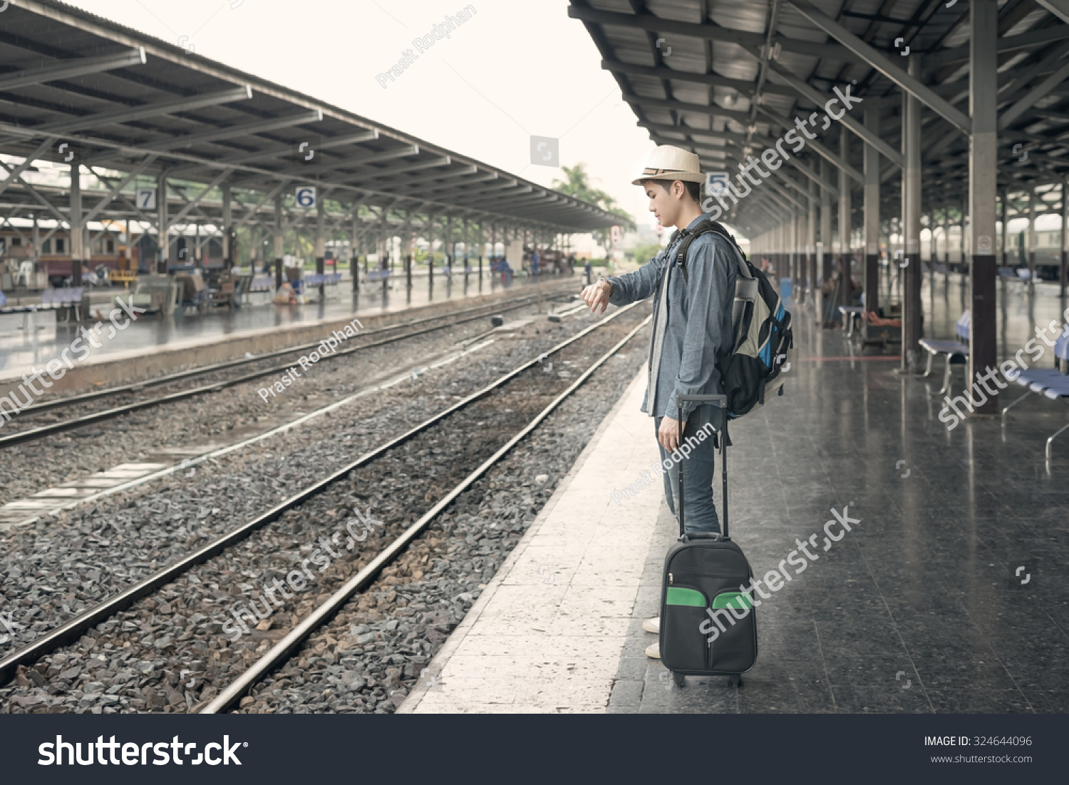 Watch Man on the Train (2003) Full Movie Free Online on ...